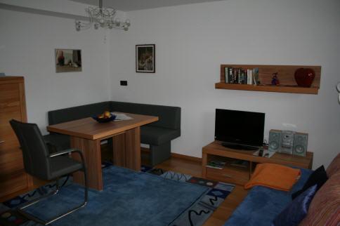 haus gisela. Black Bedroom Furniture Sets. Home Design Ideas